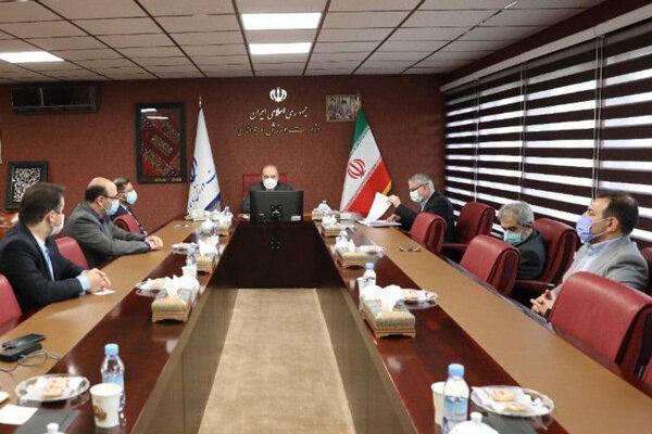 نشست ویژه وزیر ورزش در مورد میزبانی فوتبال در ایران